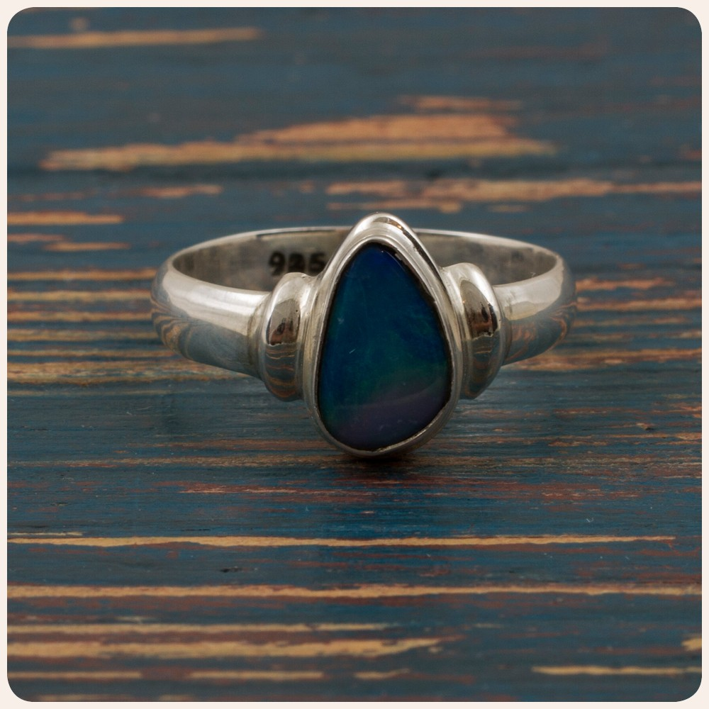 Сребърен пръстен с опал