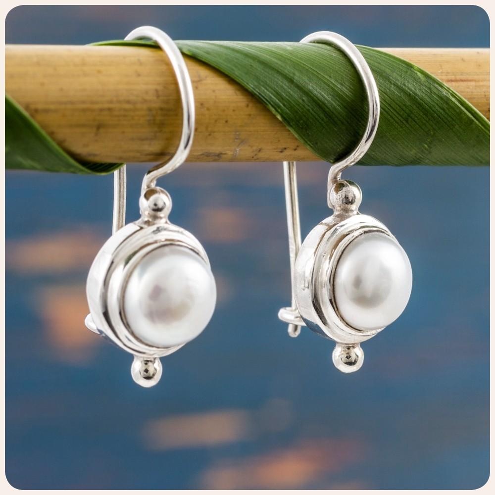 Мини сребърни обеци с перла