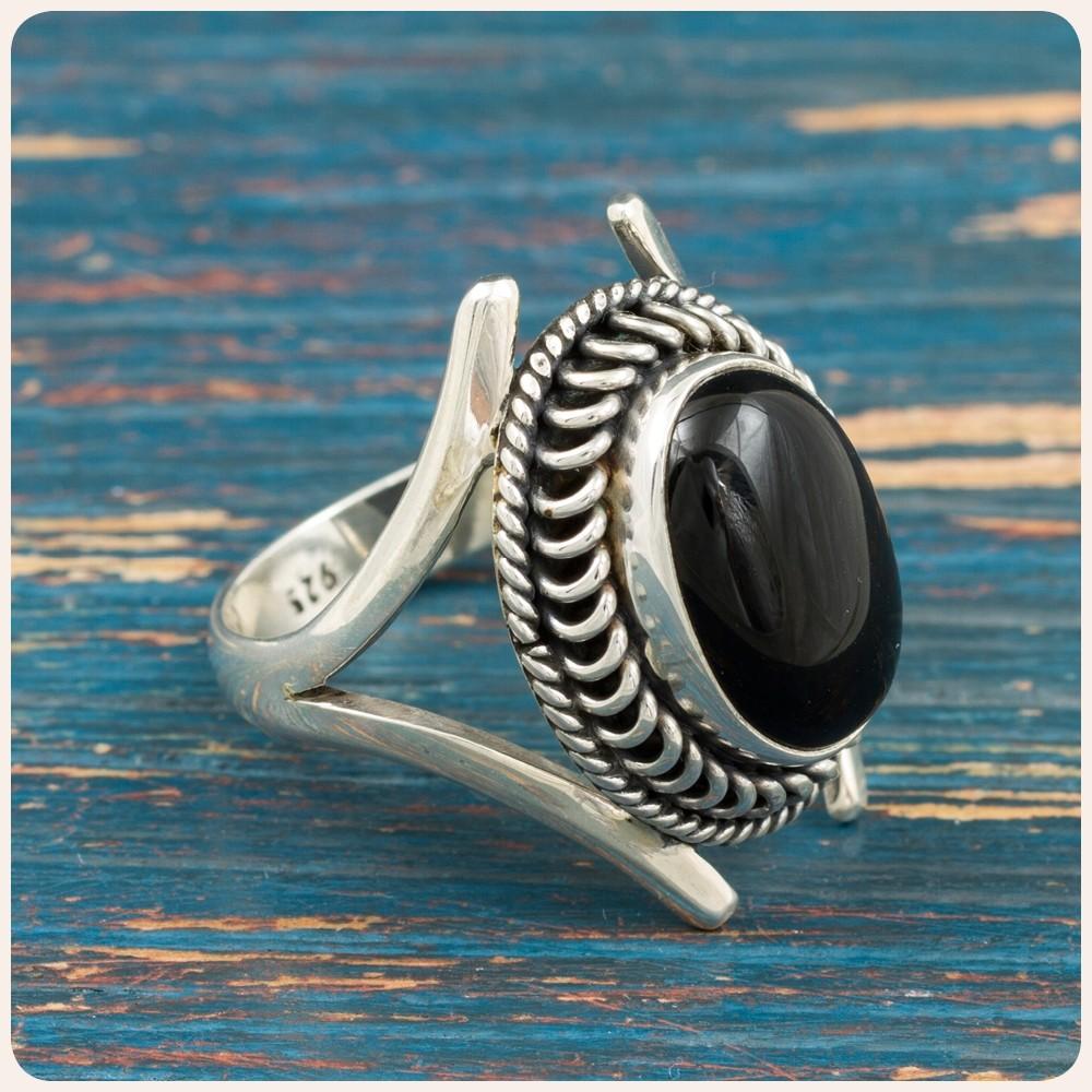 Сребърен пръстен с черна мида
