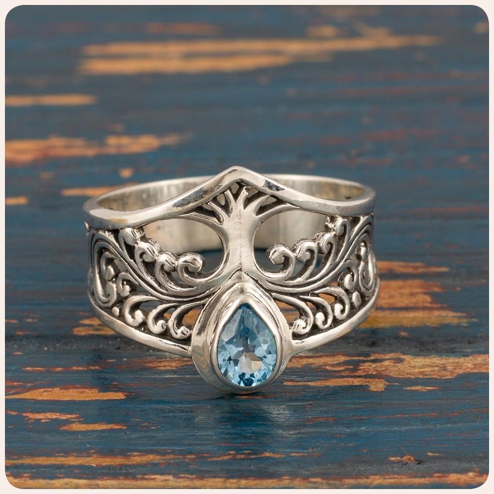 """Сребърен пръстен """"Дървото на живота"""" с топаз"""