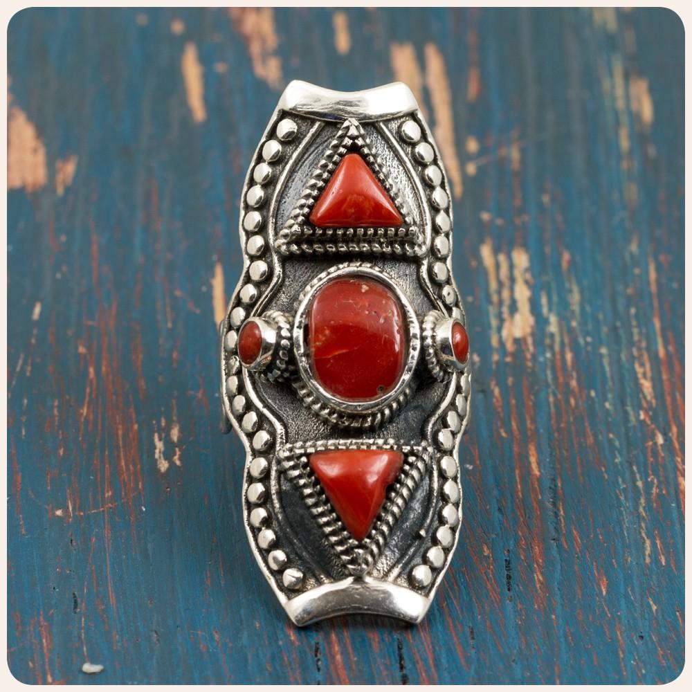 Сребърен пръстен с корал - Етно Тибет