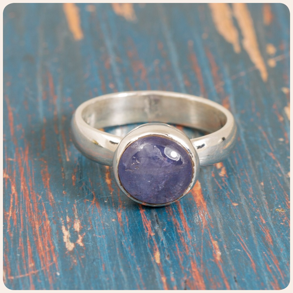 Сребърен пръстен с танзанит