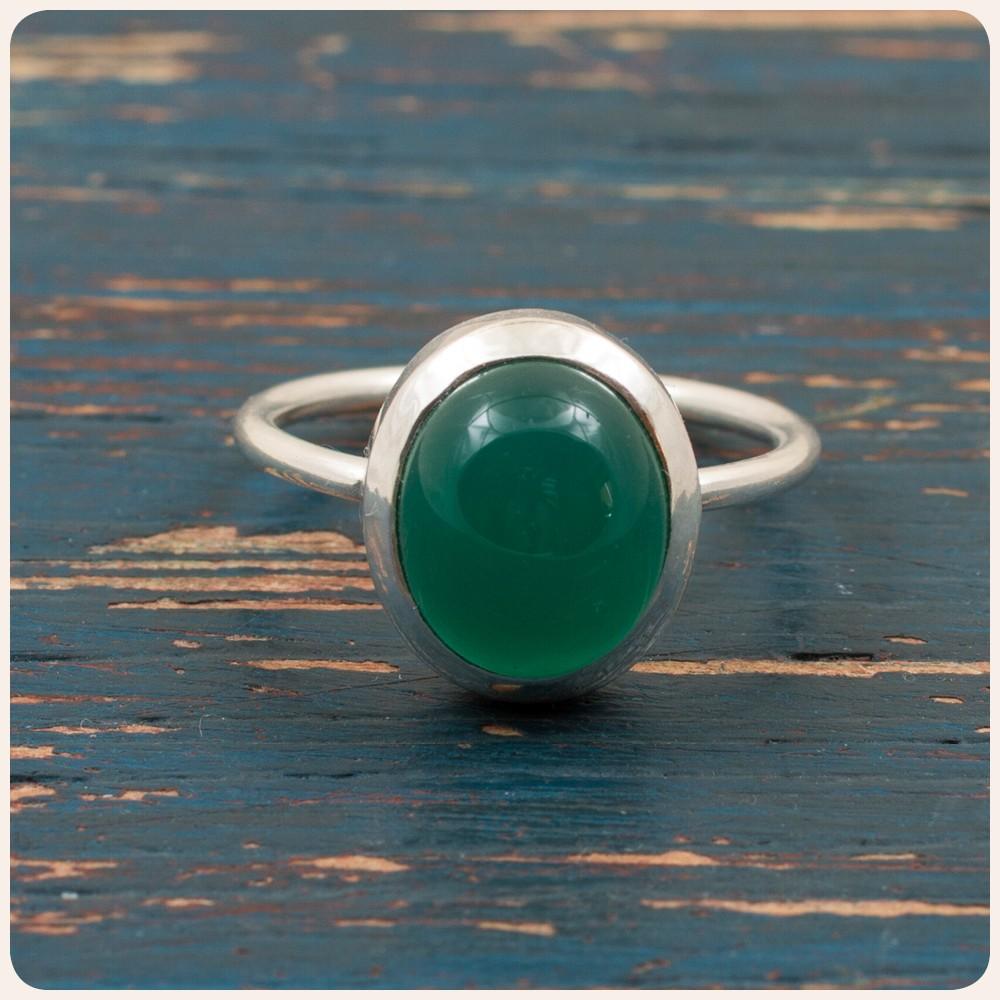 Сребърен пръстен със зелен оникс