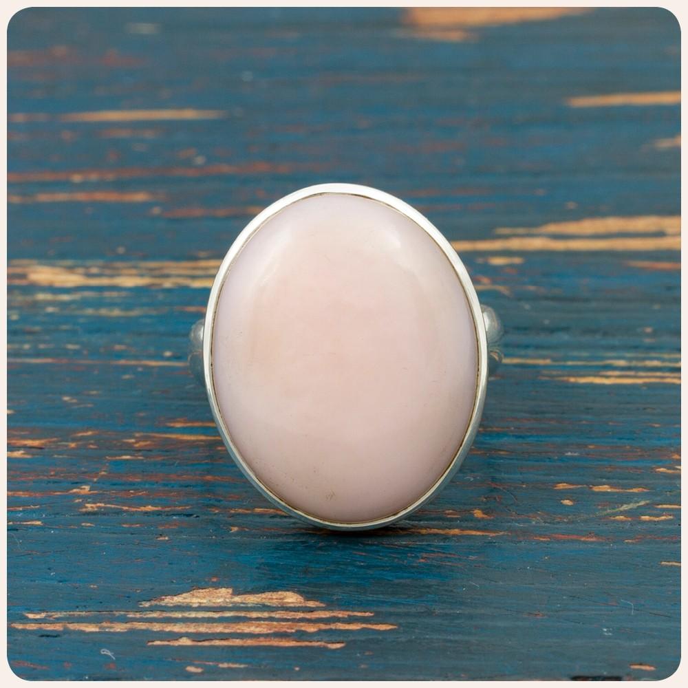 Сребърен пръстен с розов опал