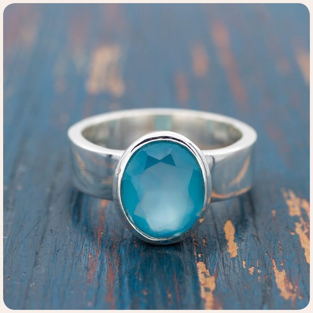 Сребърен пръстен с халцедон