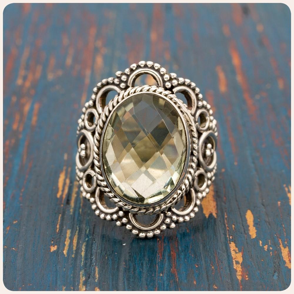 Сребърен пръстен със зелен аметист - празиолит
