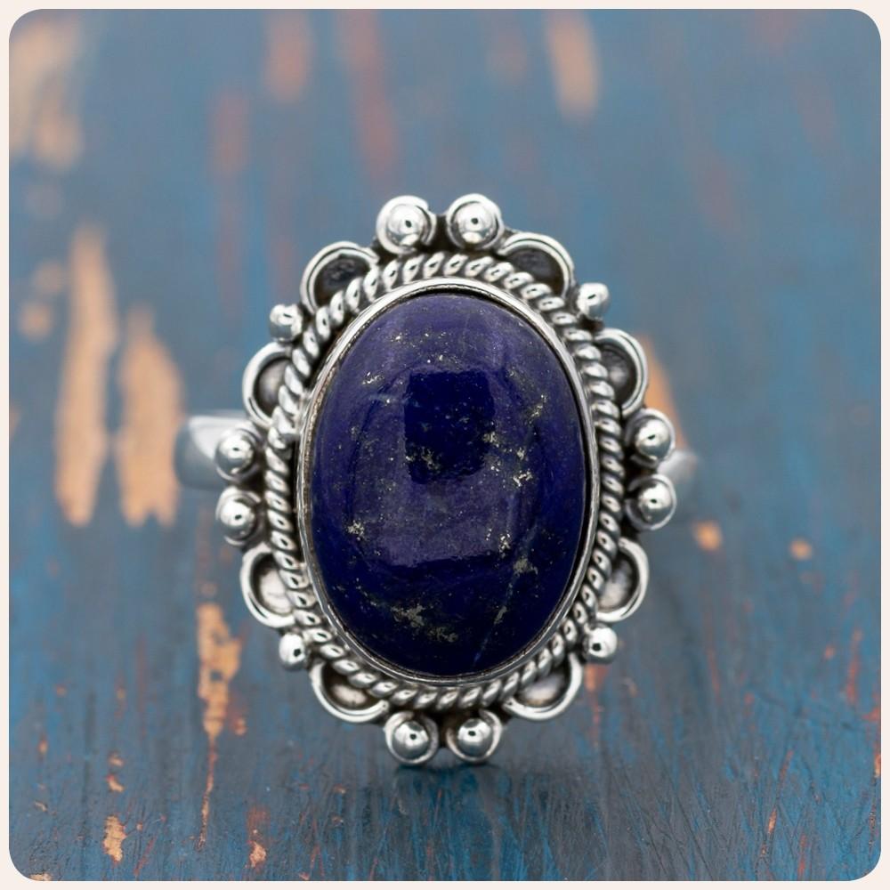 Сребърен пръстен с лапис лазули