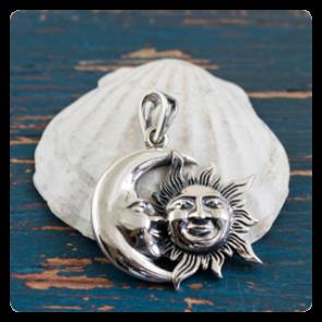 """Сребърен медальон """"Слънце и луна"""""""