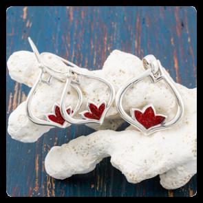 """Комплект """"Лотос"""" - сребърни обеци и медальон с корал"""