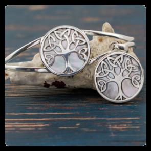 """Комплект сребърна гривна и медальон със седеф """"Дървото на живота"""""""