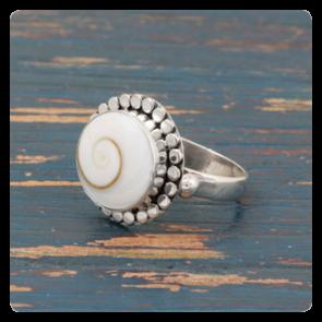 """Сребърен пръстен с мида """" Окото на Шива"""""""