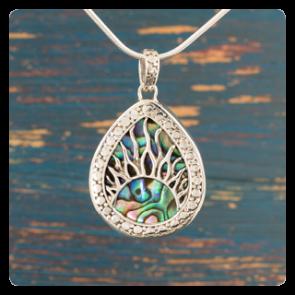 """Сребърен медальон """"Слънчеви лъчи"""" върху океански абалон"""
