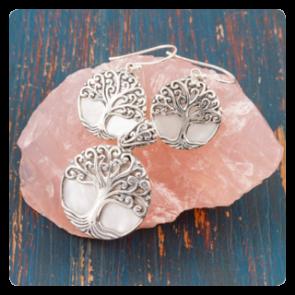 """Комплект сребърен медальон и обеци """"Дървото на живота"""" върху седеф"""