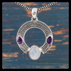 Сребърен медальон с лунен камък и аметист