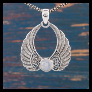 """Сребърен медальон """"Ангелски крила"""" с лунен камък"""
