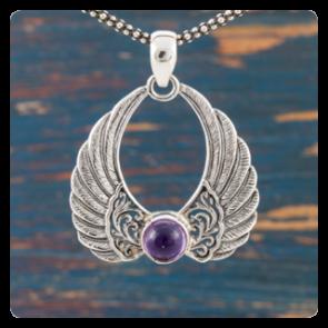 """Сребърен медальон """"Ангелски крила"""" с аметист"""