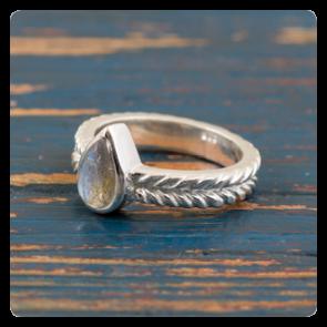 Сребърен пръстен с лабрадорит