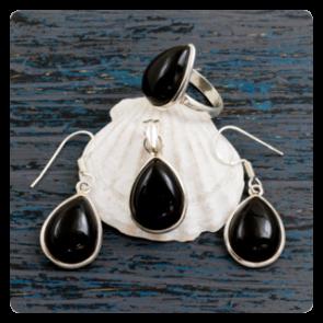 Комплект сребърен медальон, обеци и пръстен с оникс