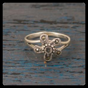Сребърен пръстен с марказит