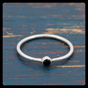 Мини сребърен пръстен с оникс