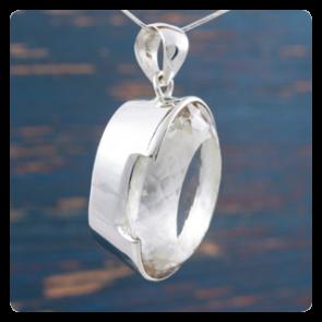 Сребърен медальон с планински кристал