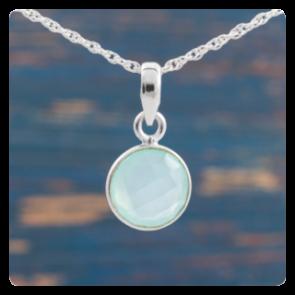 Мини сребърен медальон с халцедон