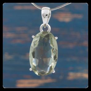 Сребърен медальон със зелен аметист - празиолит