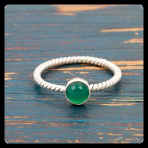 Мини сребърен пръстен със зелен оникс